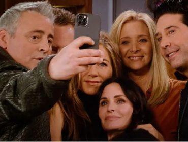"""O elenco de """"Friends"""" durante o especial da HBO Max"""