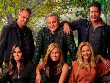 """10 curiosidades reveladas no """"Friends: The Reunion"""", desde crushes da vida real até imprevistos no set, que adiantamos por aqui"""