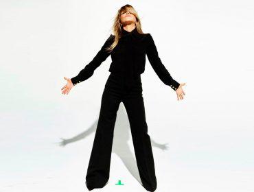 """Jennifer Aniston comemora a segunda dose da vacina e faz alerta: """"A saúde de uma pessoa afeta a todos nós"""""""