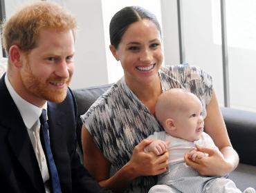 """Príncipe Harry revela que uma das primeiras palavras que Archie falou foi 'vovó': """"Ela estaria incrivelmente orgulhosa!"""""""