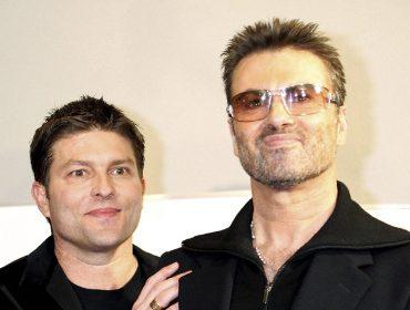 Briga judicial entre ex-namorado de George Michael e família do cantor chega ao fim. Aos detalhes!