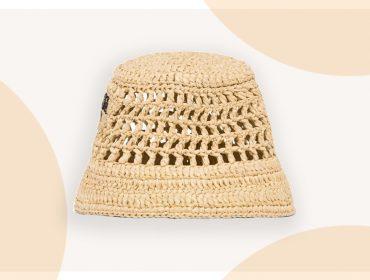 Desejo do Dia: o bucket hat com design trançado da Prada que é a cara do verão