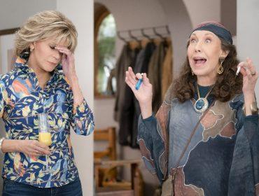 """""""Grace and Frankie"""": após um ano e meio sem filmagens, elenco volta ao set para as gravações da 7ª temporada"""