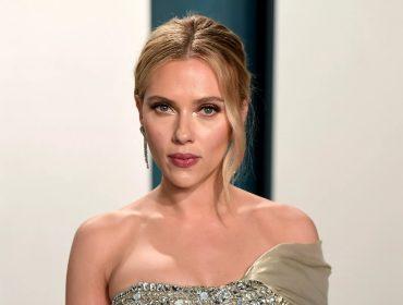 Scarlett Johansson se associa a bilionário iraniano para lançar marca de produtos de beleza