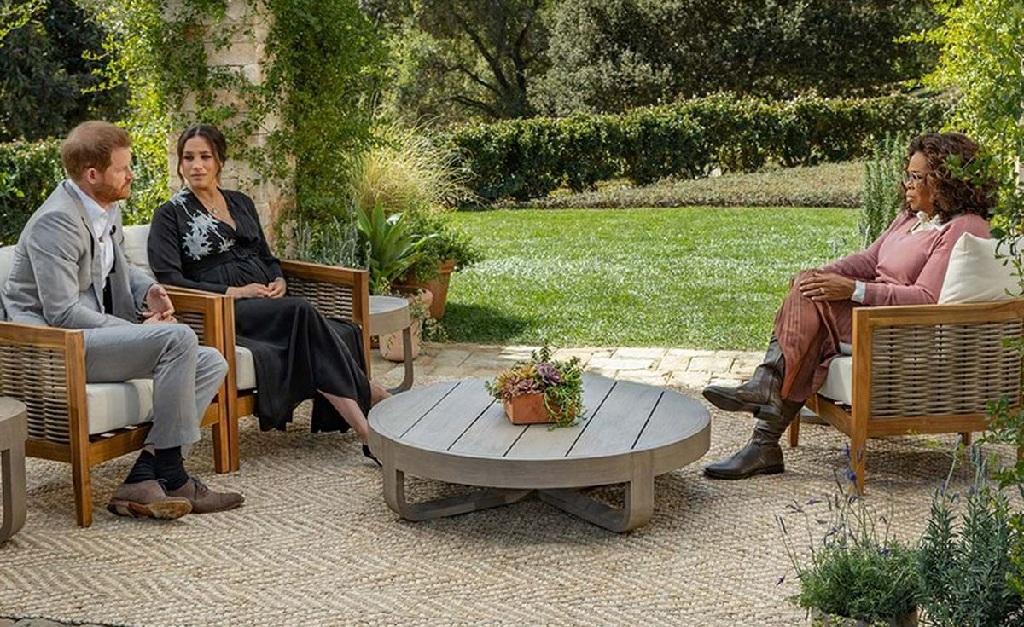 Harry e Meghan durante seu bate papo com Oprah que deu o que falar