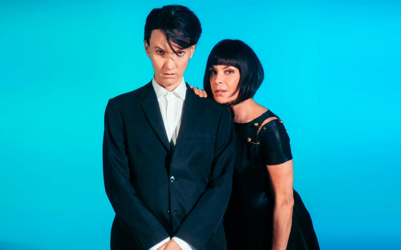Carolina Ferraz e DJ Johnny Luxo