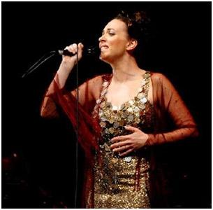 Teresa Salgueiro canta músicas brasileiras em SP