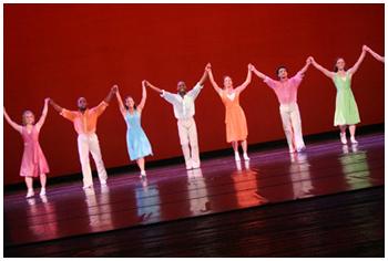 Em cena: bailarinos agradecem a receptividade do público