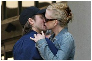 Nicole e Keith: romance e cegonha