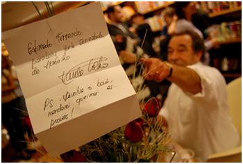 Paulo Coelho manda bilhete para Fernando Morais
