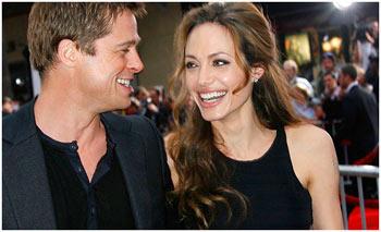 Angelina Jolie acaba de dar à luz seus gêmeos
