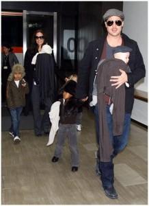 A família Jolie-Pitt cansados de tanto viajar