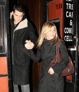Jennifer Aniston termina com John Mayer por conta do Twitter