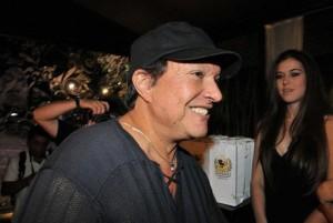 Alô, alô, paparazzi do Rio! A balada hj que vai render muitas fotos vai ser na casa de um famoso diretor! Sabe quem é?
