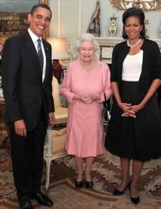 Sai a primeira foto de Barack e Michelle Obama com a rainha Elizabeth II