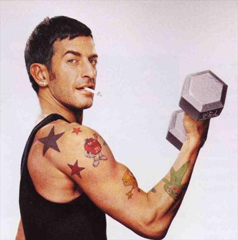 Marc Jacobs e as tatoos assinadas por Scott Campbell: irreverência