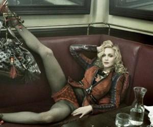 Madonna vai mesmo posar para a Louis Vuitton pela segunda vez.
