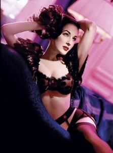 Mais uma vez, Dita Von Teese vai se aventurar pelo mundo da underwear