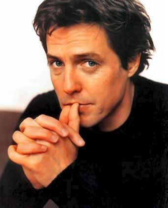 Hugh Grant: uma é pouco, duas é bom...