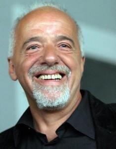 Paulo Coelho faz sucesso no Twitter