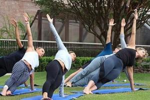Scott Schuman vai fotografar aula de ioga no shopping Cidade Jardim em SP
