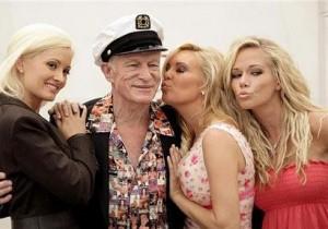 Pra variar, as festas do magnata Hugh Hefner dão o que falar. E desta vez, foi grave!