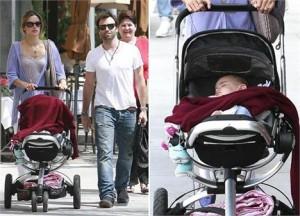 Alessandra Ambrosio passeia com família em Los Angeles