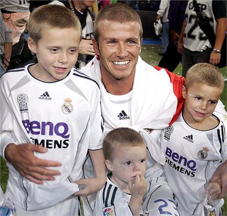 David Beckham e os filhos Brooklyn, Romeo e Cruise: só meninos