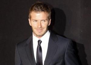 Beckham desmente boato de que faria campanha com Angelina Jolie