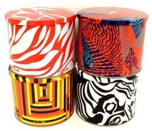 Rita Comparato e Dudu Bertholini desenvolvem embalagens com suas estampas características.
