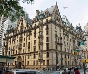 """Um dos prédios mais famosos de Nova York, o """"The Dakota"""", tem novidades imobiliárias ."""