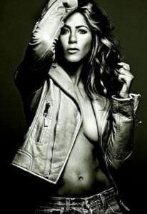 Jennifer Aniston ja se conformou com a vida de solteira.