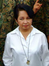 Presidente das Filipinas é flagrada gastando dinheiro do seu país em questões pessoais .