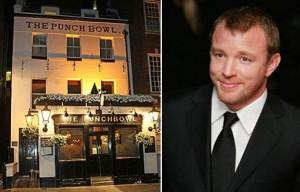 O diretor Guy Ritchie pode perder a licença do seu pub londrino.