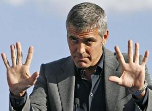 George Clooney entrou na justiça contra um fotógrafo italiano.