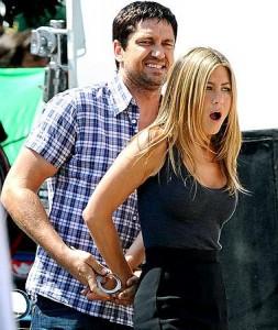Jennifer Aniston anda preocupada que o affair com Gerard Butler esfrie.