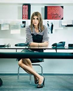 """Carine Roitfeld disse ao site norte-americano """"Times Online"""" que sempre teve problemas em definir o próprio estilo."""