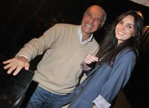 Glamurama soube pelos bastidores que o namoro do empresário Toninho Abdalla e a estilista Cris Barros anda de vento em popa.