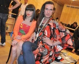 """Dudu Bertholini e Rita Comparato comandam hoje a festa de lançamento do perfume """"Bond Girl"""" da Avon e aproveitam para dar continuidade a sua coleção de verão 2010, apresentada na última SPFW."""