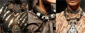 Acessórios enormes, muitas pedrarias, bordados, babados e plissados. Assim é a coleção primavera/verão 2010 da Lanvin. O blog Minas de Ouro aprovou.