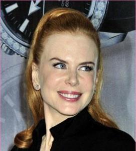 Nicole Kidman nunca sai de casa. E, se resolve sair, é para ganhar um dinheirinho extra… Nessa quarta-feira, por exemplo, a atriz foi até a abertura da nova flagship da Omega
