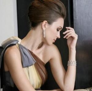 A estilista Candy Brown, que nasceu em Boston e produz alta-costura, veio para o Brasil em 1997 depois de se casar com um brasileiro. No ano 2000 ela criou a marca Candy Brown Habillées, que ficou conhecida pelas criações com estilo atemporal
