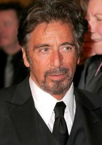 """Quem assiste à trilogia de """"O Poderoso Chefão"""" e ao filme """"Scarface"""" nem imagina que Al Pacino tem um passado cheio de mistérios. Quer dizer: tinha, já que o ator admitiu para o jornal """"New York Post"""" que, quando tinha 20 anos e nenhum dinheiro no bolso,"""