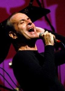 Ney Matogrosso lança CD com parcerias de Roberto Carlos, Cazuzza, entre outros.