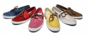 Glamurama sempre de antenas ligadas adorou os clássicos boat shoes femininos que acabaram de ser relançados na Side Walk.