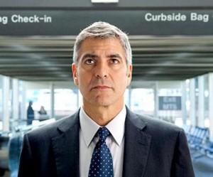 """Com 48 anos de puro charme, George Clooney disse que se assustou ao se ver no novo longa """"Up In The Air"""", que teve a pré-estreia nesse fim de semana, em Londres."""