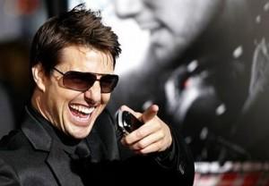 """Primeiro a diretora do filme de 2000, """"Psicopata Americano"""", Mary Harron, diz que Christian Bale se inspirou em Tom Cruise, para fazer o protagonista do filmes, Patrick Bateman. Agora foi a vez de Bronson Pinchot, que contracenou com o ator no clássico """"N"""