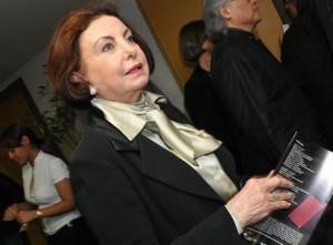 """Dica do tipo culturette chique: no dia 21, Beatriz Segall fará leitura dramática da peça """"As Criadas"""", de Jean Genet, ao lado do grupo Confraria do Teatro, na Livraria da Vila dos Jardins."""