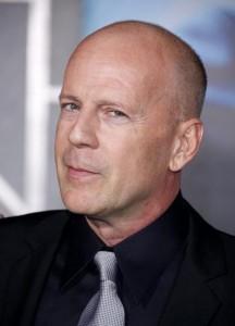 Bruce Willis diz que não tem planos de fazer cirurgias plásticas.