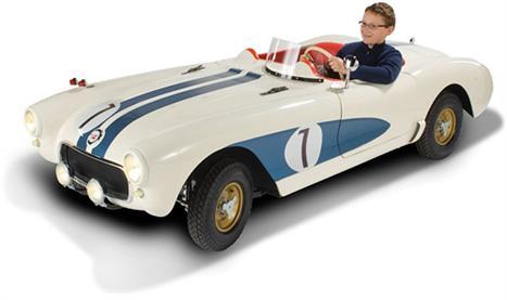 Réplica de Corvette C1 para crianças é um sonho para os pequenos glamurettes.